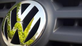 Průšvih VW nabírá obřích rozměrů. Hodnota koncernu klesá. Co bude dál?